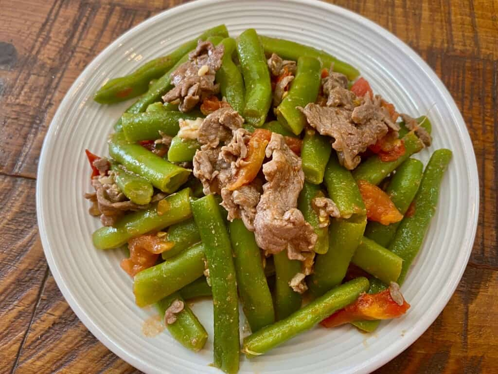 Vietnamese Stir-fry beef, green beans and tomatoes